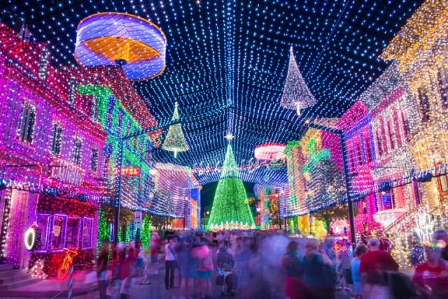 It's your last chance to see the Spectacle of Dancing Lights in 2015!
