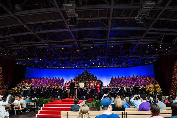 The whole stage of the Candlelight Processional