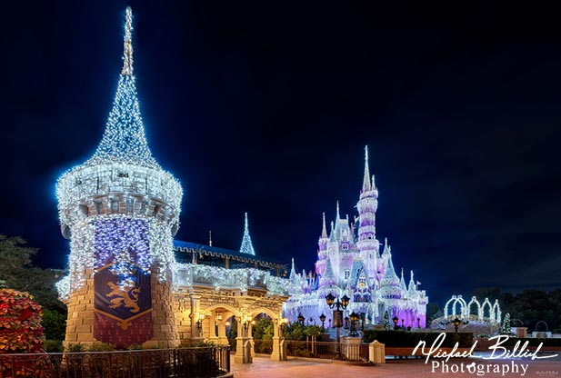 The Christmas lights on Cinderella Castle