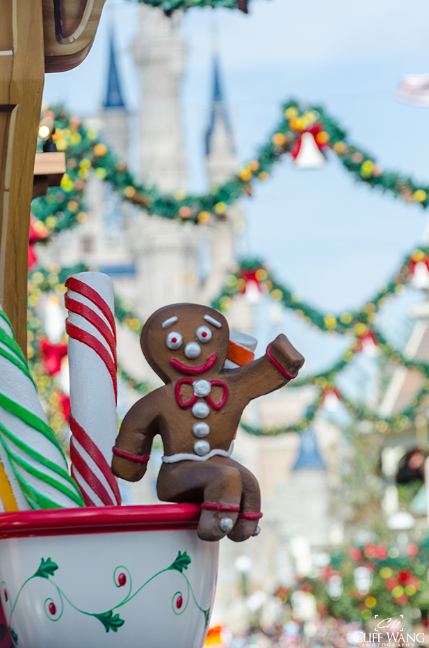 Gingerbread Man float detail