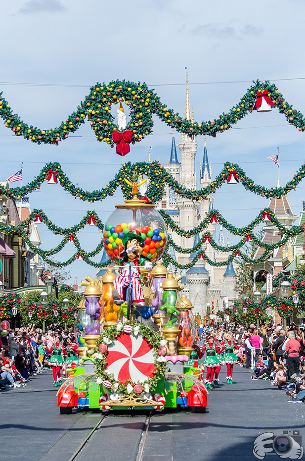 Goofy's candy float in the Once Upon a Christmastime Parade
