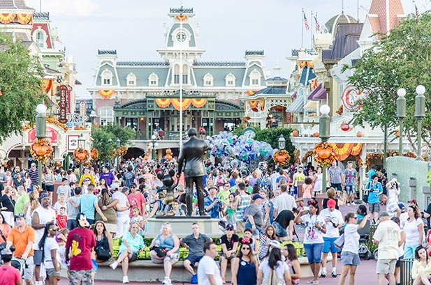 Light to Moderate Crowds on Main Street