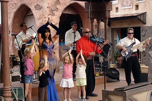 Mo'Rockin entertaining in the Epcot Morocco Pavilion