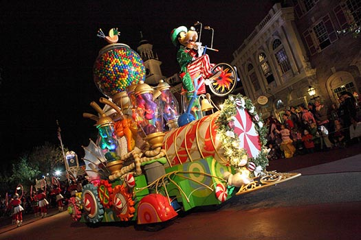 The Goofy Float at Mickey's Very Merry Christmas Party
