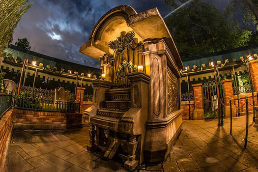 The organ in the interactive area of the Haunted Mansion
