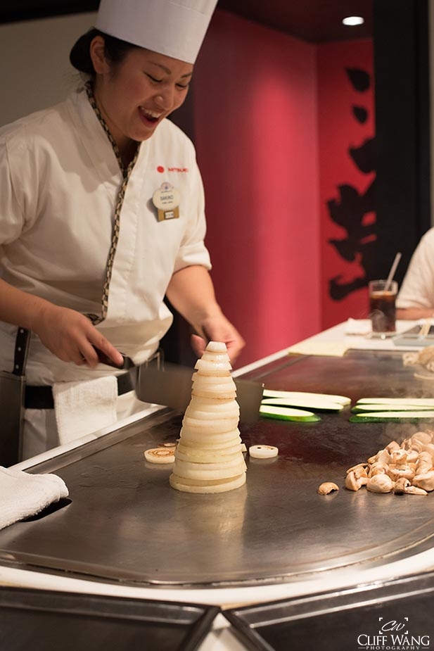 Teppan Edo chef preparing an onion volcano