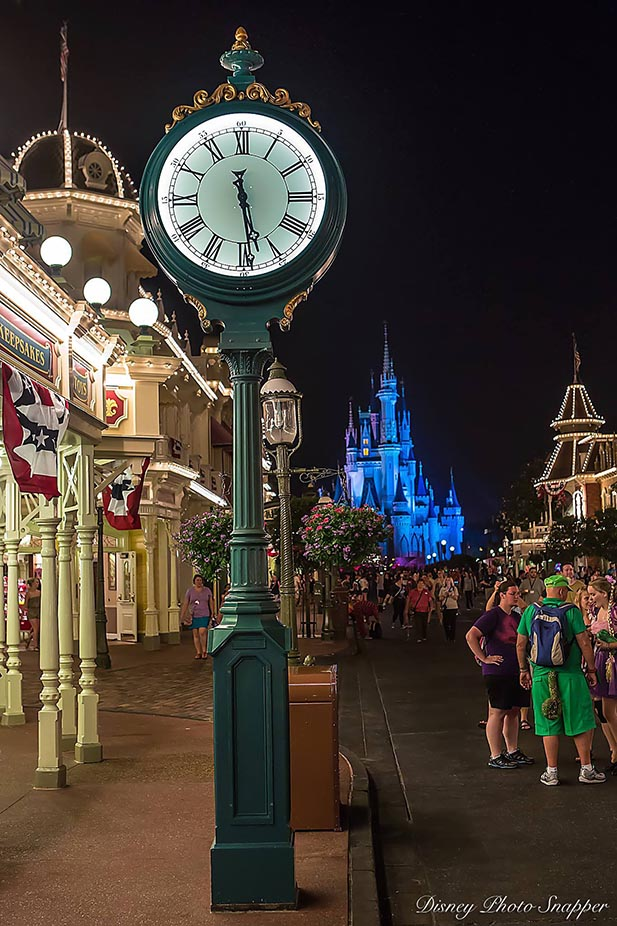 The Main Street Clock showing 6:30 am