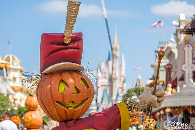 The Halloween decorations in the Magic Kingdom