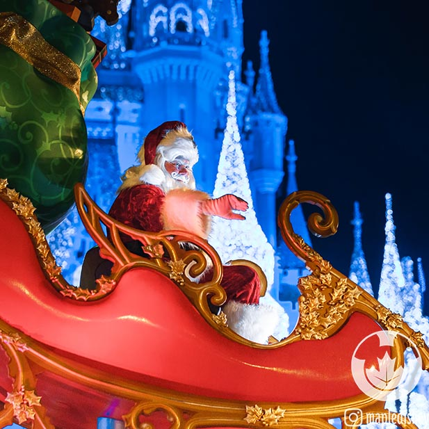 Santa in the Mickey's Very Merry Christmas Party parade