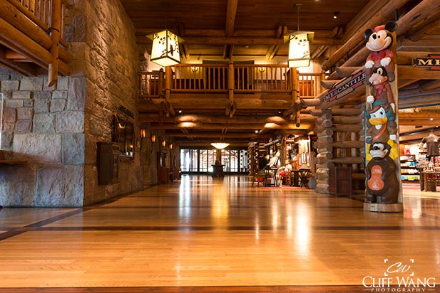 The hall with the arcade at Wilderness Lodge