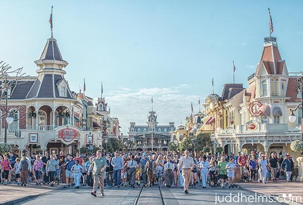 The morning rope drop walk on Main Street