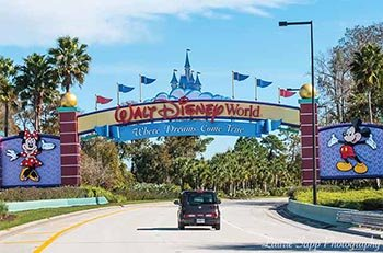 entrance to Walt Disney World