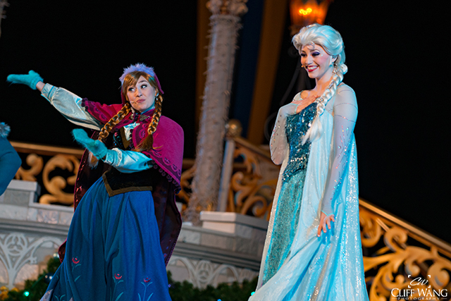 Anna and Elsa at a Frozen Holiday Wish one of the shows at Christmas at Disney World