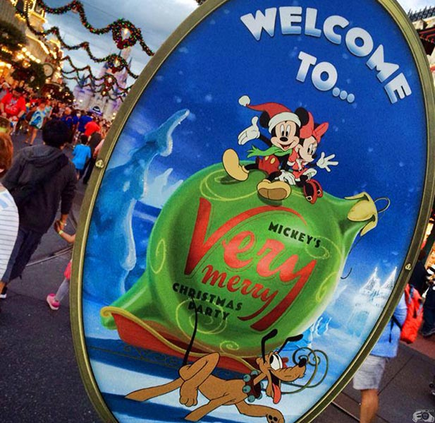 The sign at Mickey's Very Merry Christmas Party