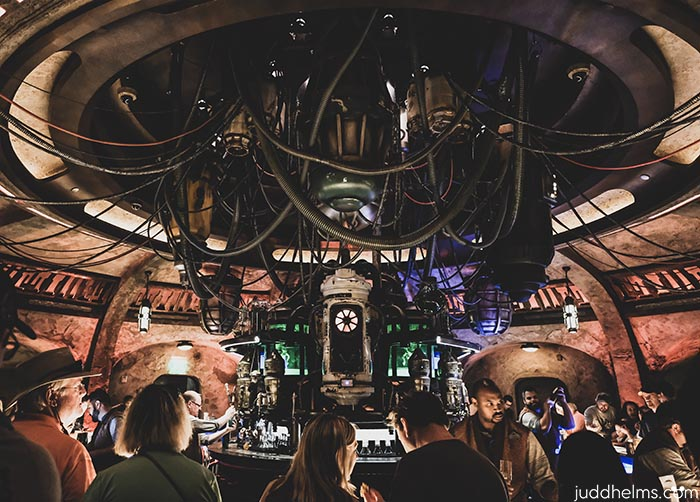 The inside of Oga's Cantina in Star Wars: Galaxy's Edge