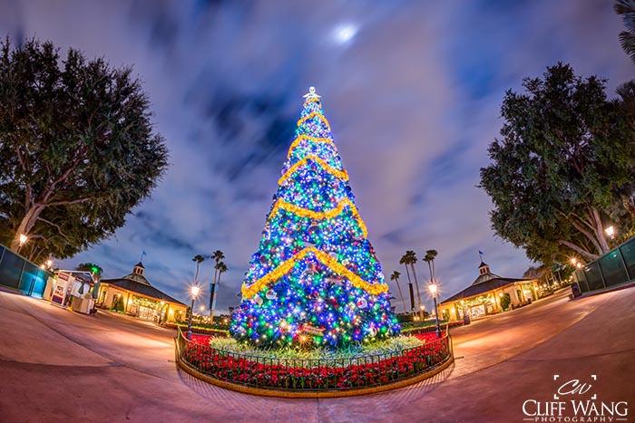The Epcot Christmas Tree makes Christmas 2020 vs Halloween 2021 no contest