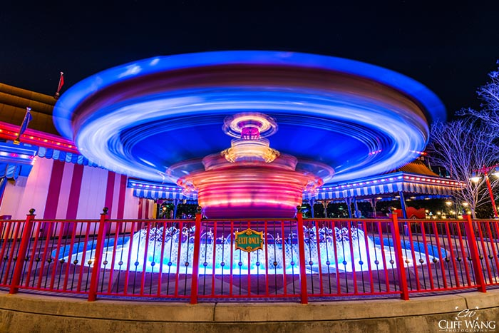 Dumbo ls pretty amazing at night in Fantasyland