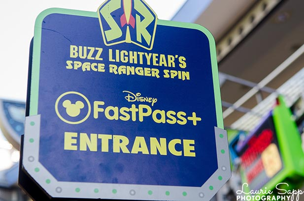 The FastPass+ sign for Buzz Lightyear Space Ranger Spin